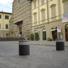 Pilomat semiautomatic 355/PL-600SA in the historical center of Arezzo, Italy