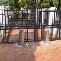 Pilomat 275/P-800A at the entrance of a company in South Africa