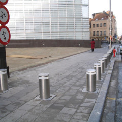 pilomat_fixed_bollard_275PL_600F_Commission-Européenne-Berlaymont_belgium-(1)